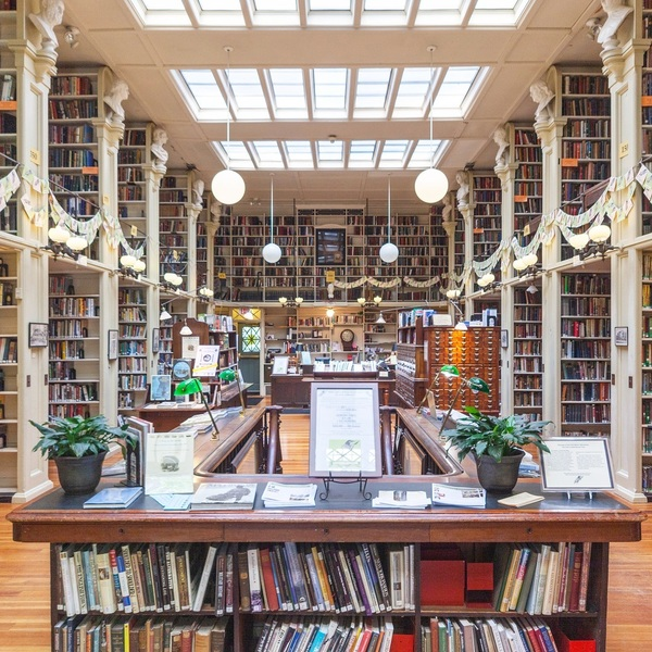 An Instagram account dedicated to lovely-looking libraries
