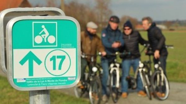 Nord : un réseau cyclable de 800 kilomètres balisé - 800 kilometer aan knooppuntroutes voortaan in Frankrijk