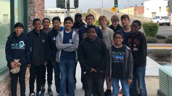 How local middle school students stopped a Fresno woman from jumping off a bridge | The Fresno Bee