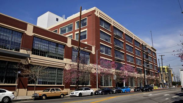 Warner Music turns former Ford assembly plant into Arts District music factory - Los Angeles Times