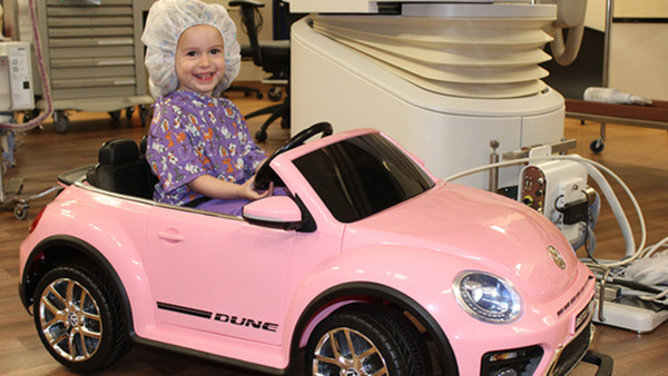 Hospital allows kids to ride mini cars into surgery room to reduce fear