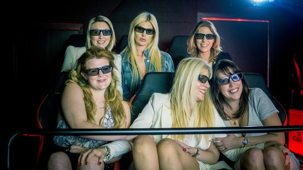 De eerste 5D-pornofilm van Kim Holland is er eentje voor de geschiedenisboeken | VICE