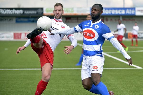 Kozakken Boys bleef ook tegen SV Spakenburg op periodekoers. Klik op de foto (Teus Admiraal) voor het verslag.