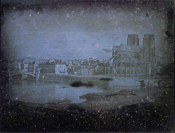 Daguerréotype de Louis Daguerre, 1838 (... cherchez la flèche ;)