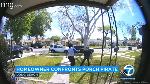 VIDEO: Long Beach homeowner confronts, chases off suspected porch pirate | abc30.com