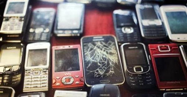 Samsung's, Apple's goods worth Rs 5000 crore stuck at customs