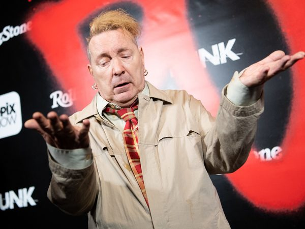 Johnny Rotten calls the cops as thugs target his California home | Canoe