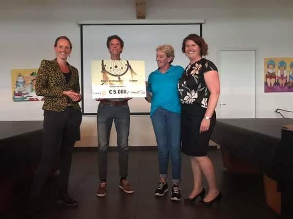 Stichting Droomdag ontvangt 5.000 euro cheque van Rotary
