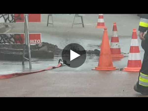 Drie huizen ontruimd door gaslek in Leimuiden (video)