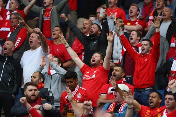 Wie man einen Stadion-Gesang startet, erklärt von einem Liverpool-Fan