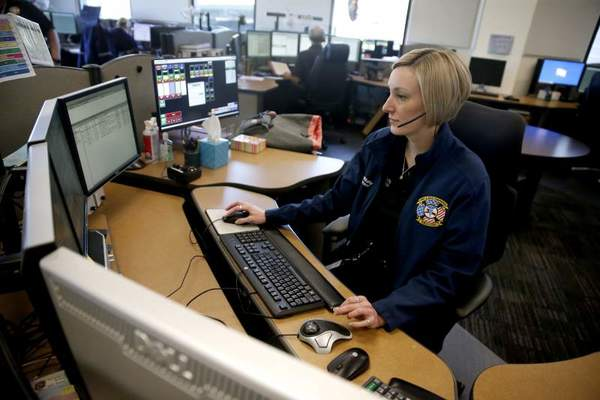 Telecom companies would need to report outages to California emergency officials under proposed law