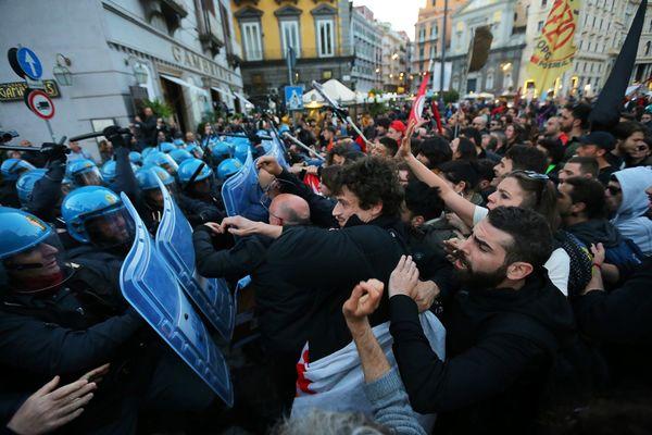 Demonstranten tegen Salvini