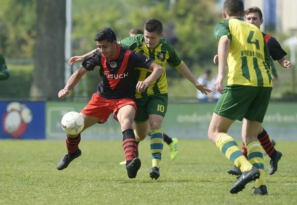 Papendrecht won van Brederodes, maar het kampioenschap lijkt naar Nivo Sparta te gaan. Klik op de foto (Richard van Hoek) voor het verslag.