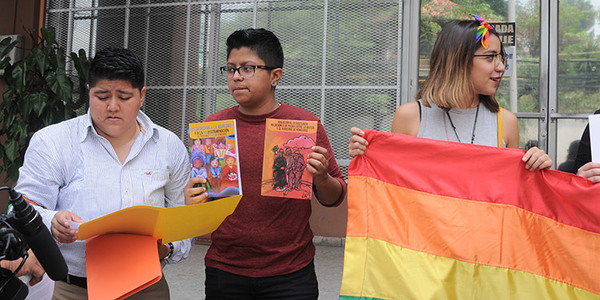"""""""During the International Day against Homophobia, Transphobia and Biphobia, a group of the Lesbian Network Catrachas, a feminist lesbian organization, arrived in front of government buildings to raise awareness to respect sexual diversity."""""""