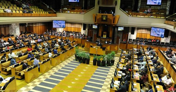 Parliament readies for MPs to be sworn in | eNCA