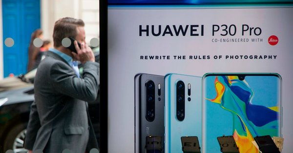 Mobile Carriers in Britain and Japan Begin to Turn Away From Huawei