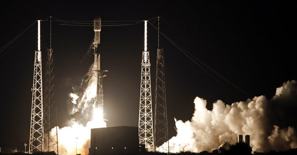 SpaceX Launches 60 Starlink Internet Satellites Into Orbit