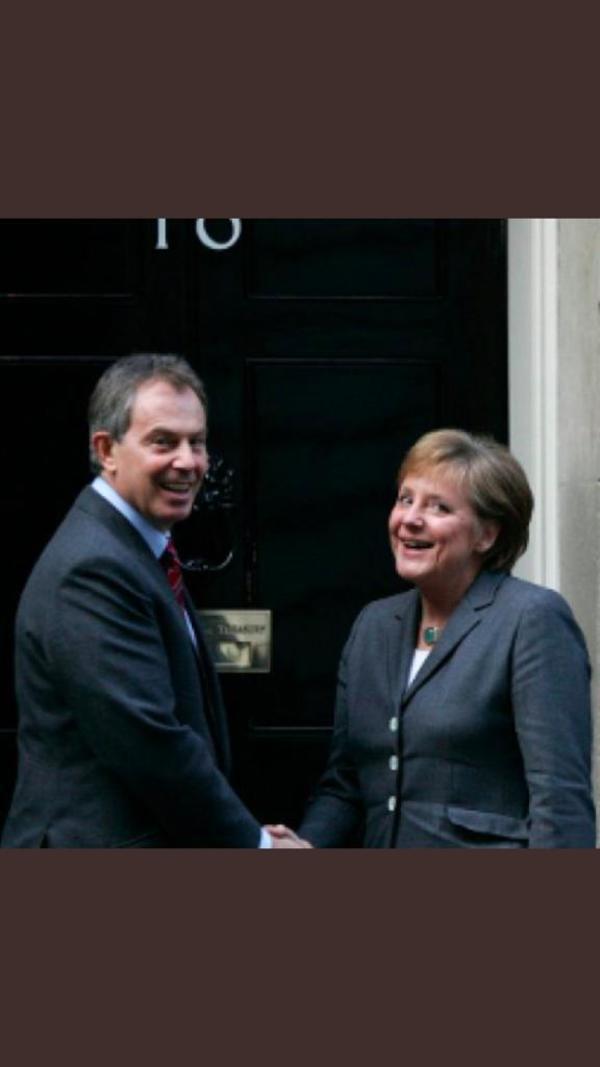Merkel met Blair