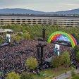 V Apple Parku uctili památku Steva Jobse