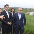 Wczoraj powódź nazywał kabaretem, dziś lansuje się na wałach. Razem z Trzaskowskim | Niezależna