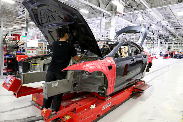 Tesla: Plant tours in Fremont return; Elon Musk to the rescue