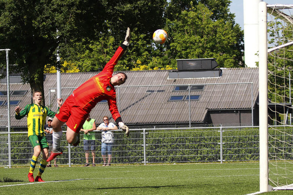 Een sensationele 3-4 in Vianen: Brederodes degradeert, GDC ronde verder in nacompetitie. Klik op de foto (Eric Schröder) voor het verslag.