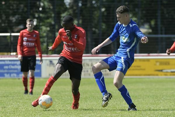 De Zwerver zette tegen SV Capelle de eerste stap op weg naar de tweede klasse. Klik op de foto (Richard van Hoek) voor het verslag.