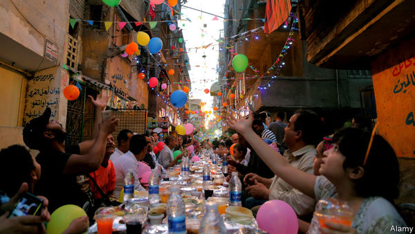 Arabische Länder verschwenden zum Ramadan tonnenweise Lebensmittel