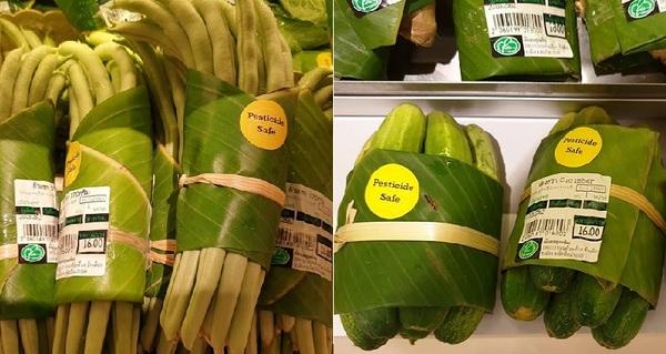 Asiatische Supermärkte steigen von Plastiktüten auf Blätter um