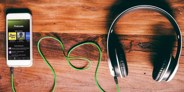 Spotify teste la curation de podcasts en listes de lecture