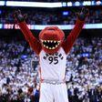 Toronto Raptors Took Some Big Risks to Become Canada's Team - Bloomberg