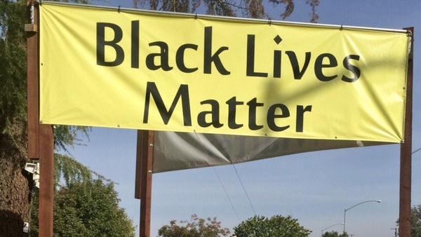 Black Lives Matter banner controversy sparks lawsuit against Fresno County | The Fresno Bee