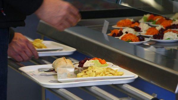 Lille veut réduire le gaspillage à la cantine - Lille voert strijd tegen verspilling in schoolrestaurants