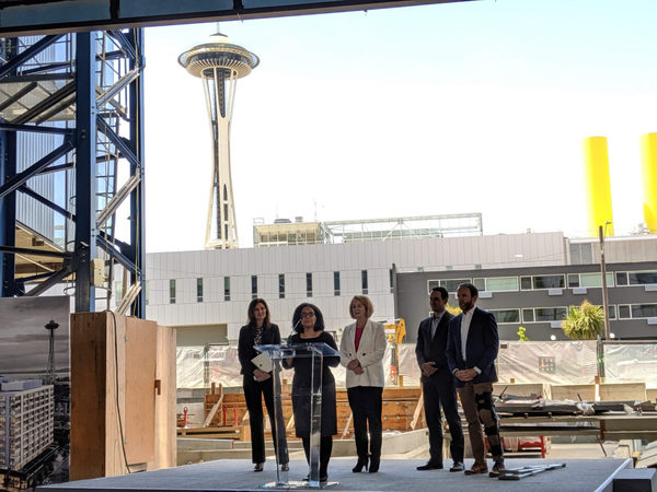 Apple doubles down on Seattle with plans to employ 2,000 people in 'key engineering hub' – GeekWire