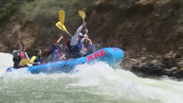 Kings River high water level brings in business for rafting companies, dangerous for others | YourCentralValley.com