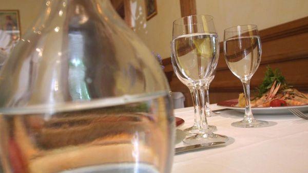 Mobilisation en Belgique pour la carafe d'eau gratuite dans les restaurants - Oproep voor gratis kraanwater in restaurants
