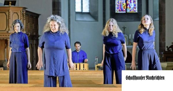 Von singenden Hexen und Häftlingen