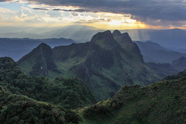 Doi Chiang Dao, de heilige berg van het Lanna koninkrijk.