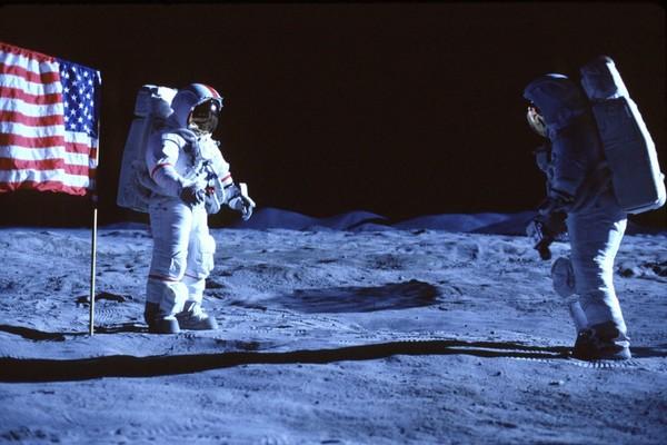 'De la Tierra a la Luna' llega a tiempo para el 50º aniversario del Apolo XI