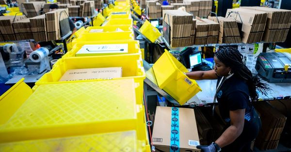 Amazon Offers Sellers a Leg Up, With a Catch