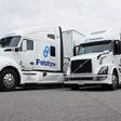 Deze twee vrachtwagens hebben samen maar één chauffeur nodig - WANT