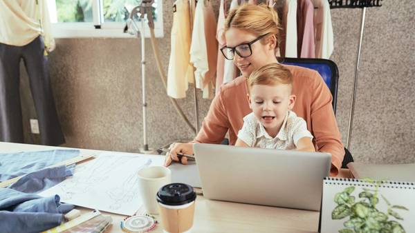 Mompreneur: The Ultimate Guide To Starting An Online Business As A Mom