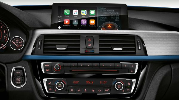 BMW Wants You to Pay an Annual Fee to Access Apple CarPlay