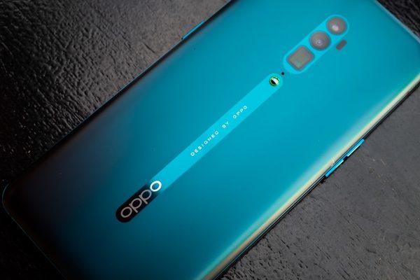 Oppo toont smartphone met extreem gebogen display (maar gaat dit werken?)