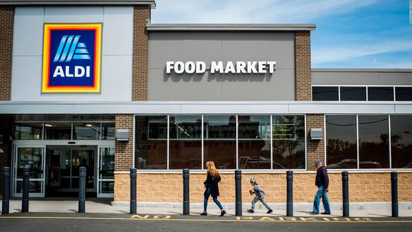 How a cheap, brutally efficient grocery chain is upending America's supermarkets