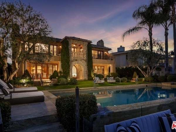 9 Resort-Like CA Homes To Make You Forget You're Not On Vacation | Castro Valley, CA Patch
