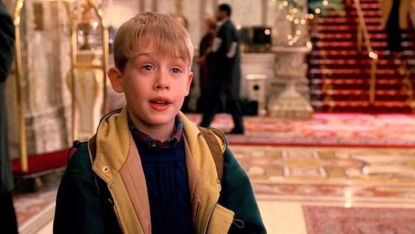 Macaulay Culkin laat zien hoe Home Alone remake eruit komt te zien