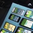 Speler gebruikt acht smartphones voor Pokémon Go in de auto - WANT