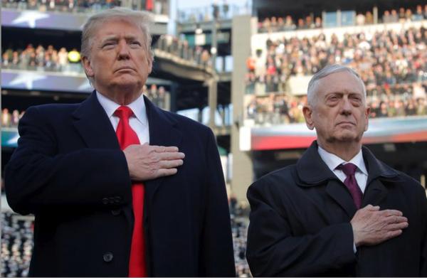 Trump en Jim Mattis (Reuters)