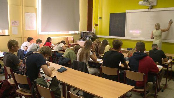 Pénurie de professeurs en Flandre-Occidentale - Lerarentekort dreigt in West-Vlaanderen